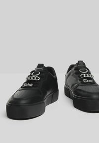 Bershka - Baskets basses - black - 4