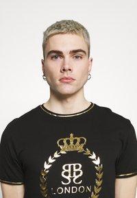 Brave Soul - KING - Print T-shirt - jet black/gold foil/white - 3