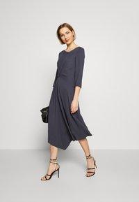 Patrizia Pepe - ABITO/DRESS - Day dress - lava grey - 1