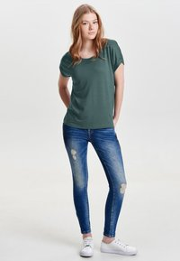 ONLY - ONLMOSTER O-NECK TOP - T-shirts - balsam green - 1