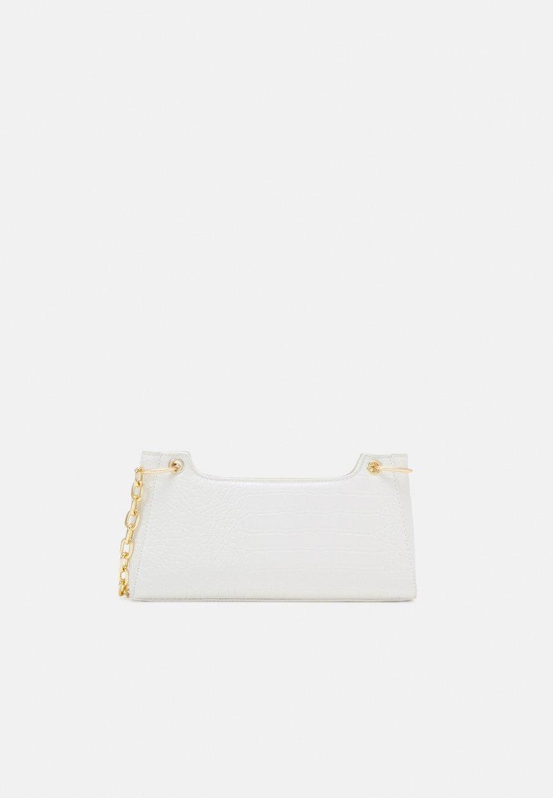 Pieces - PCMICHELLE SHOULDER BAG - Handbag - bright white/gold-coloured