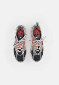 Nike Sportswear - AIR MAX GENOME - Sneakers - smoke grey/iron grey mango-summit white-grey - 5