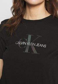 Calvin Klein Jeans - REFLECTIVE MONOGRAM TEE - Printtipaita - black - 3