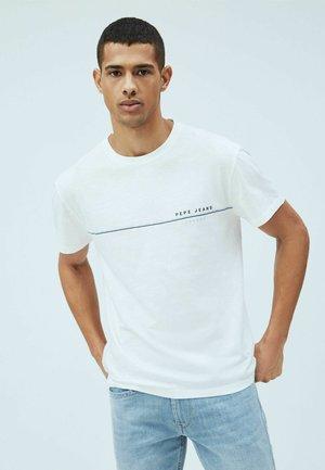 GILBERT - Print T-shirt - blanco off
