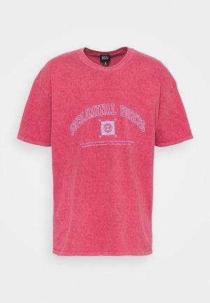 UNISEX SUBLIMINAL FORCES TEE - Print T-shirt - berry