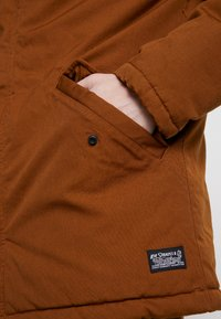 Levi's® - THERMORE PADDED - Lehká bunda - beige - 5