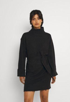 VIROLFIE TIE BELT DRESS - Neulemekko - black