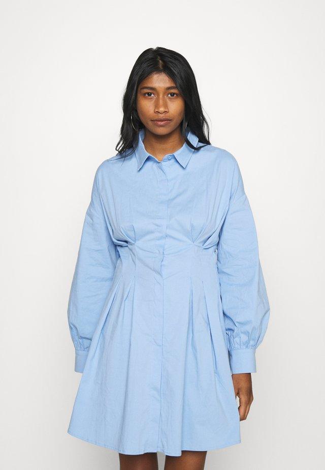 PLEATED WAIST SHIRT DRESS - Blousejurk - blue