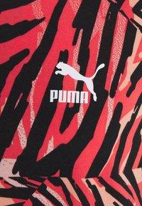 Puma - BOYFRIEND TEE - Print T-shirt - apricot blush - 6