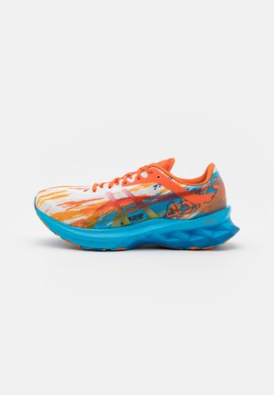NOVABLAST NOOSA - Chaussures de running neutres - digital aqua/marigold orange