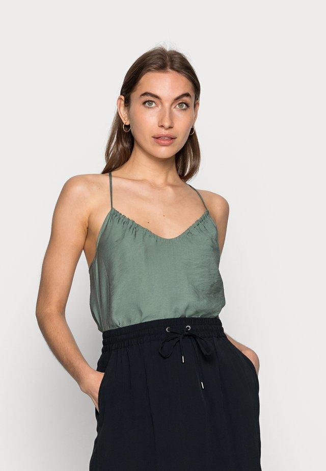 ELOISE - Top - laurel green