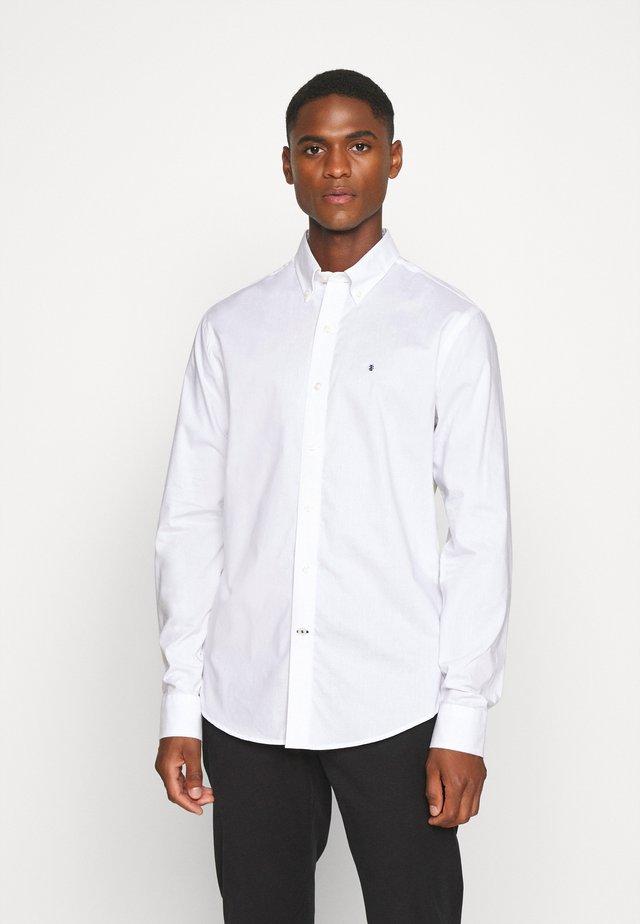 POPLIN SOLID - Zakelijk overhemd - bright white