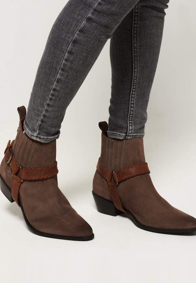 CARTER CHELSEA BOOT - Classic ankle boots - light brown