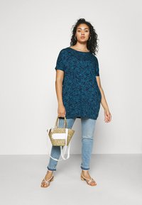CAPSULE by Simply Be - SHORT SLEEVE SIDE POCKET - Print T-shirt - blue - 1