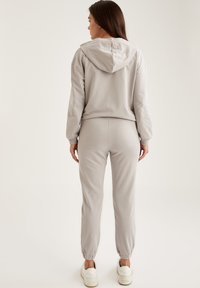 DeFacto Fit - Tracksuit bottoms - grey - 2