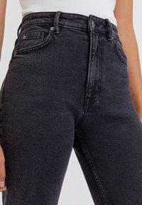 PULL&BEAR - Slim fit jeans - mottled black - 4