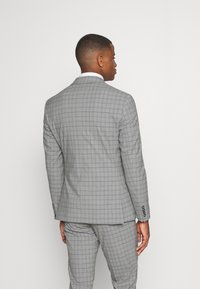 Isaac Dewhirst - THE FASHION SUIT PIECE CHECK - Completo - grey - 3