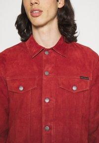 Nudie Jeans - ROBBY - Leichte Jacke - poppy red - 5