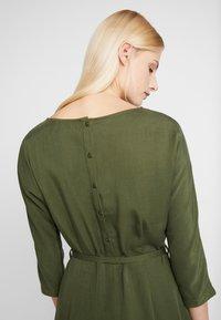 Another-Label - LYNCH DRESS - Shirt dress - rifle green - 4