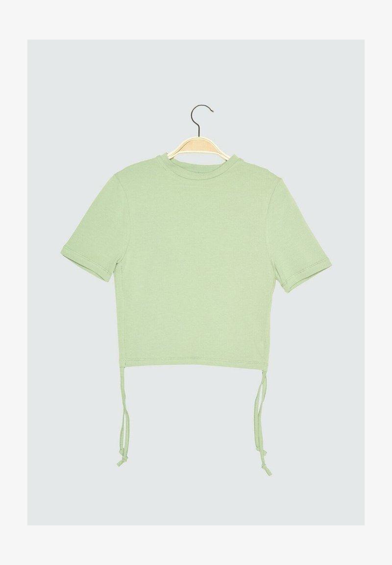 Trendyol - Print T-shirt - green