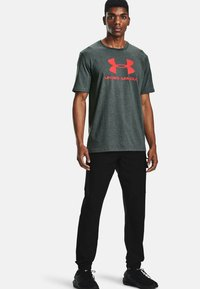 Under Armour - Print T-shirt - pitch gray medium heather - 1