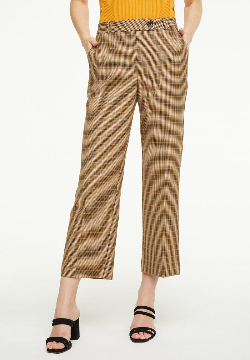 comma - MIT KAROMUSTER - Trousers - chocolate houndstooth