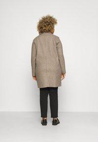 ONLY Carmakoma - CARCARRIE BONDED COAT - Classic coat - caribou melange - 2