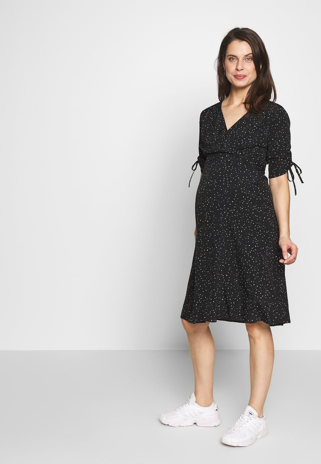 LAUREN KNEE LENGTH WRAP DRESS - Kjole - black/white