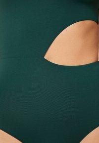 OYSHO - ASYMMETRISCHER TRIKINI MIT SCHLEIFE  - Costume da bagno - evergreen - 4