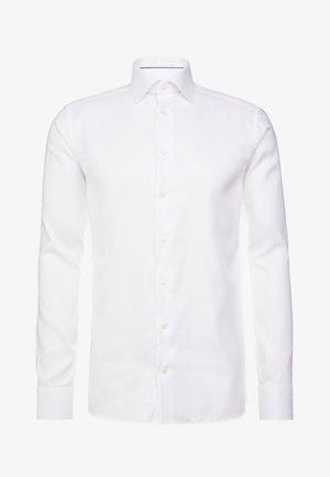 SLIM FIT - Formální košile - white