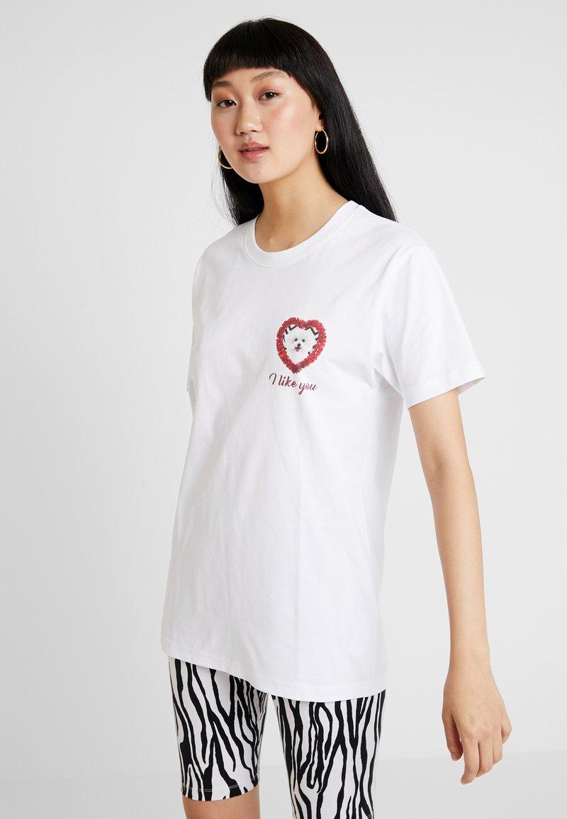 Merchcode - LADIES LIKE YOU TEE - Print T-shirt - white