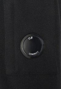 C.P. Company - CREW NECK - Svetr - black - 7