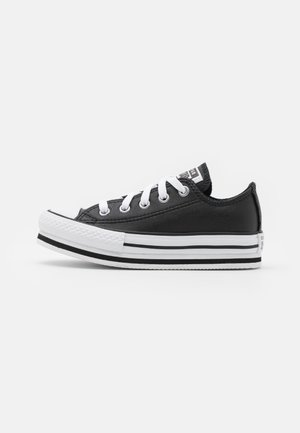 CHUCK TAYLOR ALL STAR PLATFORM - Matalavartiset tennarit - black/white
