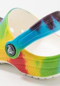 Crocs - Chanclas de baño - multicolor - 2