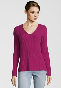 Princess goes Hollywood - MIT V-AUSSCHNITT - Maglione - berry - 0