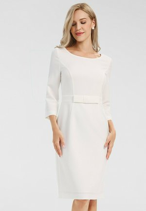 Robe fourreau - creme