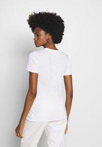 Marc O'Polo DENIM - HALFSLEEVE - Basic T-shirt - white - 2