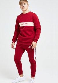 Illusive London Juniors - ILLUSIVE LONDON DIVERGENCE - Sweater - red & pink - 3