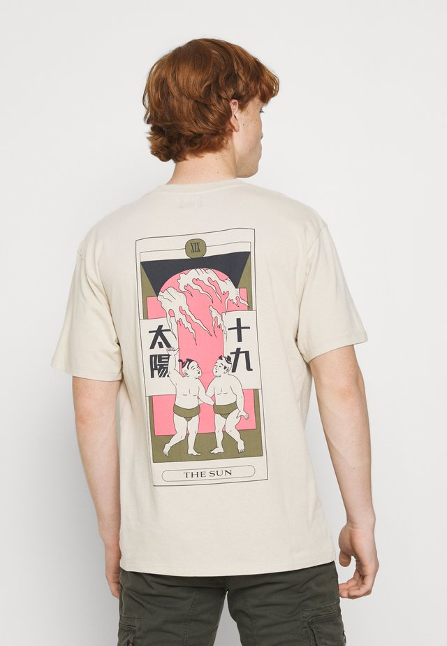 TAROT DECK UNISEX - Print T-shirt - pelican