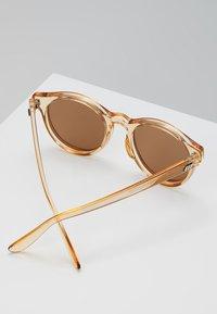 Le Specs - HEY MACARENA  - Okulary przeciwsłoneczne - beige - 4