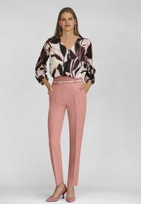 MADELEINE - Trousers - erikarosé - 1