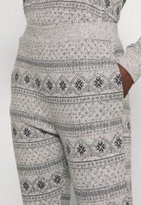 Anna Field - SET - Pyjama set - grey/black - 3