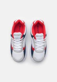 Champion - LOW CUT SHOE PHILLY UNISEX - Chaussures d'entraînement et de fitness - white - 3