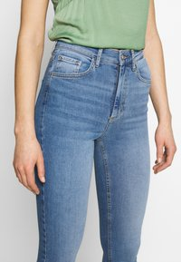 Pieces - NORA - Jeansy Skinny Fit - light blue denim - 3