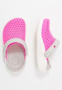 Crocs - LITERIDE UNISEX - Pool slides - electric pink/white - 0