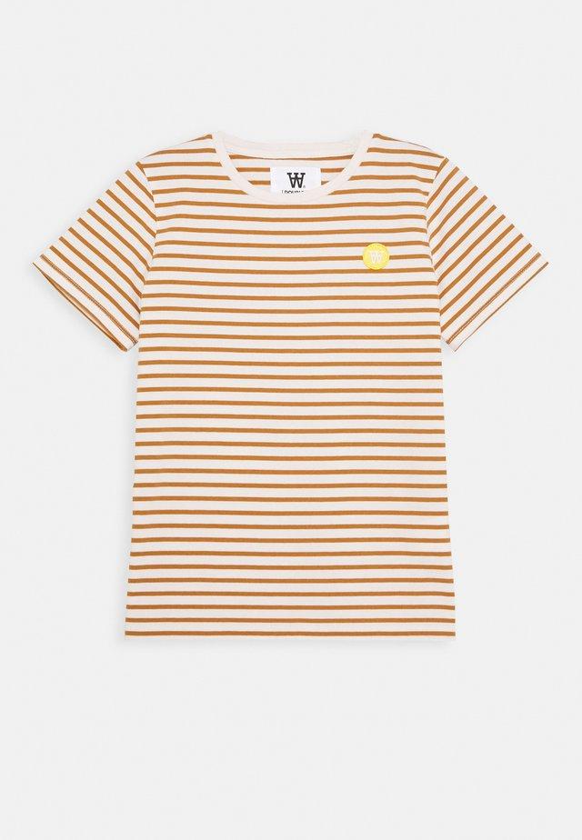 OLA KIDS - T-shirt imprimé - off-white/camel