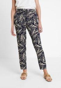 Vero Moda - VMSIMPLY EASY PANT - Trousers - night sky/litas - 0