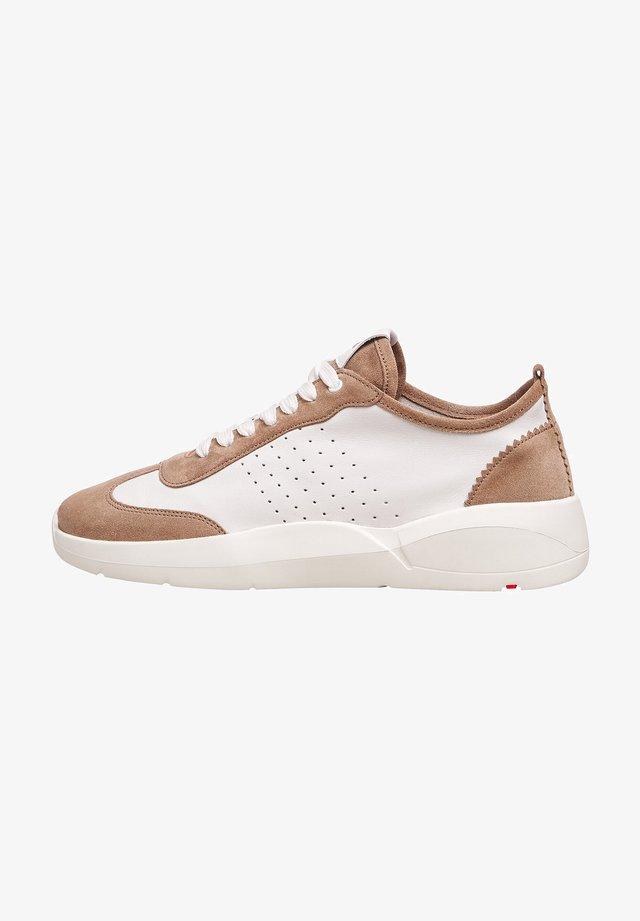 MIT KONTRASTELEMENTEN - Sneakers laag - beige