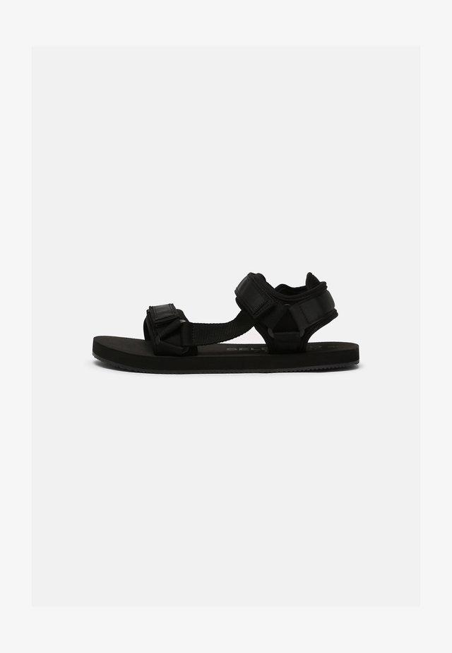 SLHNOLAN STRAP - Sandaler - black