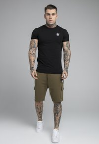 SIKSILK - Shorts - khaki - 1